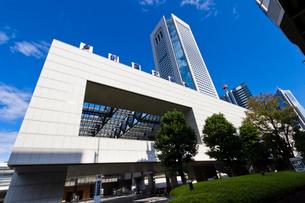 東京オペラシティ,新国立劇場の写真素材 [FYI01677613]