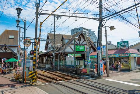 江ノ電・江ノ島駅の写真素材 [FYI01678596]