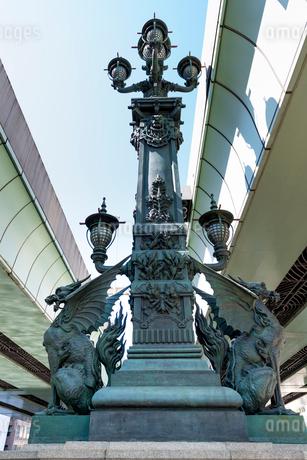 日本橋・中央の彫刻の写真素材 [FYI01679058]