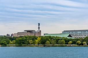 大濠公園(浮島より武道館、NHK福岡放送局)の写真素材 [FYI01679184]
