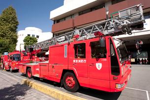 消防自動車 はしご車の写真素材 [FYI01679437]
