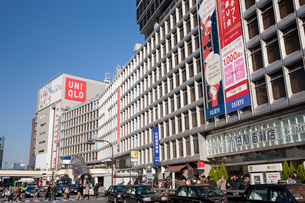 新宿駅西口ロータリーの写真素材 [FYI01680467]