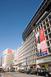 新宿駅西口ロータリーの写真素材 [FYI01680762]