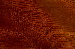 拭き漆塗りのケヤキ板の写真素材 [FYI01681136]