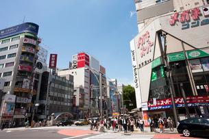 上野広小路交差点の写真素材 [FYI01681392]