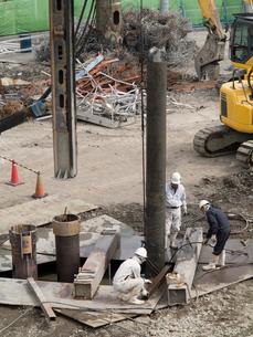 ビル建設の基礎工事の写真素材 [FYI01681685]