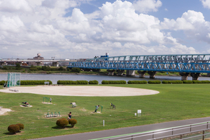 荒川千住新橋緑地の写真素材 [FYI01681920]
