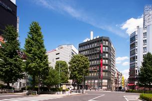 中央通り上野広小路付近の写真素材 [FYI01681930]
