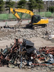ビルの解体工事の写真素材 [FYI01682099]