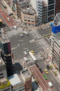 東京都港区 大門交差点の写真素材 [FYI01682303]