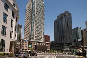 丸の内 丸ビルと新丸ビルの写真素材 [FYI01682378]