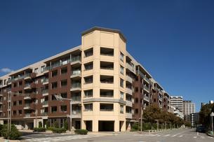 幕張新都心のマンション街の写真素材 [FYI01682686]