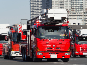 消防自動車 はしご車の写真素材 [FYI01682732]