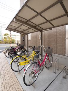 アパートの駐輪場の写真素材 [FYI01682909]