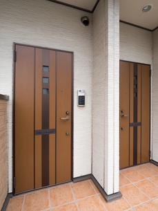 アパートの玄関の写真素材 [FYI01682911]