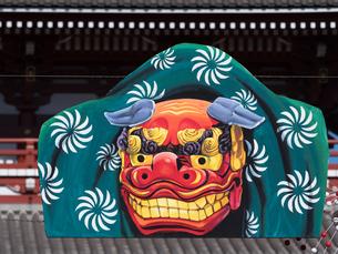 浅草仲見世通りの正月飾りの写真素材 [FYI01683024]
