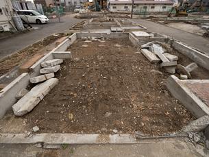 住宅街の再開発工事の写真素材 [FYI01683565]