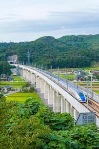 北陸新幹線の写真素材 [FYI01683618]