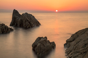 福井県 越前海岸の夕日の写真素材 [FYI01684179]
