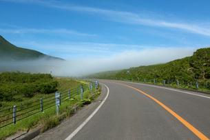 知床峠の雲海の写真素材 [FYI01684409]