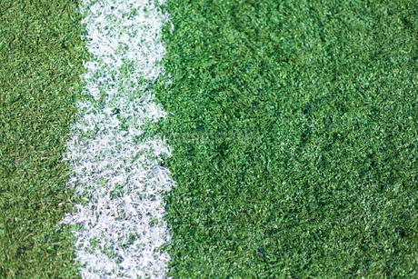サッカー練習場の白線ラインの写真素材 [FYI01684730]