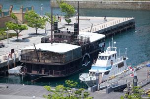 門司港レトロエリアの船の写真素材 [FYI01684744]