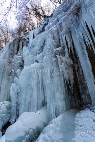 湯川渓谷の氷柱群の写真素材 [FYI01684747]