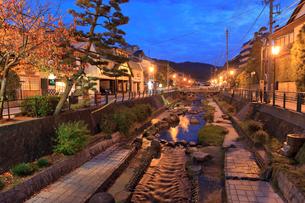 玉造温泉の夕景の写真素材 [FYI01685587]