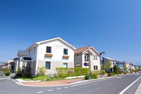 住宅街の家並みの写真素材 [FYI01685638]