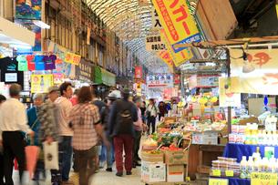市場中央通りの写真素材 [FYI01685836]
