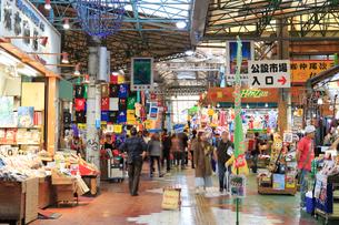 市場中央通りの写真素材 [FYI01686029]