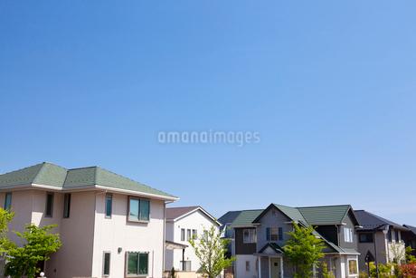 住宅街の家並みの写真素材 [FYI01686068]