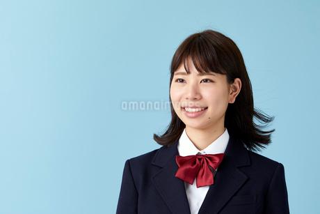 ブレザーを着た女学生の写真素材 [FYI01686099]
