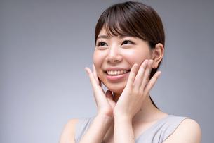 日本人女性のビューティーイメージの写真素材 [FYI01686468]