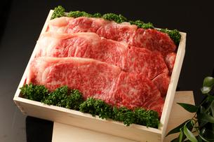 牛肉詰め合わせの写真素材 [FYI01686494]