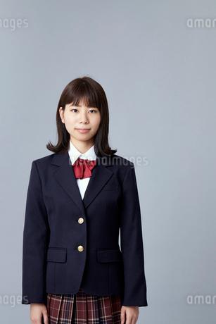 ブレザーを着た女学生の写真素材 [FYI01686816]