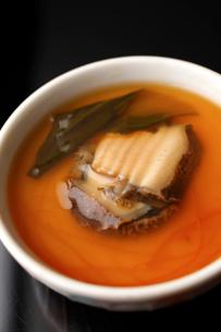 蝦夷あわび茶碗蒸しの写真素材 [FYI01686929]