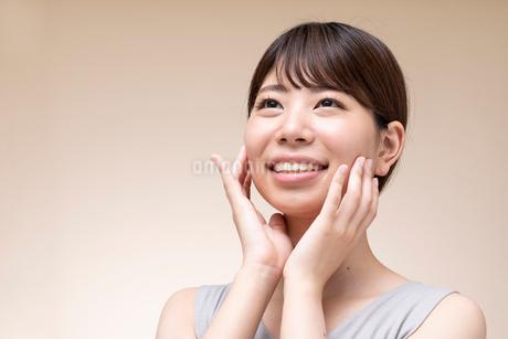 日本人女性のビューティーイメージの写真素材 [FYI01686936]