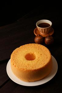 米粉シフォンケーキ丸形の写真素材 [FYI01687449]
