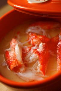 タラバガニの茶碗蒸しアップの写真素材 [FYI01687497]