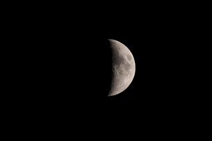 月齢7の月の写真素材 [FYI01687889]