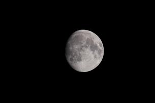 月齢13の月の写真素材 [FYI01687919]