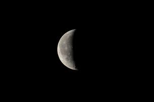 月齢23の月の写真素材 [FYI01687996]