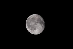 月齢17の月の写真素材 [FYI01688000]