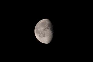 月齢19の月の写真素材 [FYI01688020]