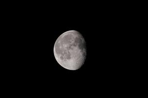 月齢18の月の写真素材 [FYI01688035]
