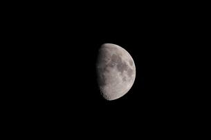 月齢10の月の写真素材 [FYI01688079]