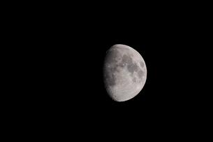 月齢11の月の写真素材 [FYI01688397]