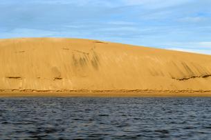 プレグィシャス川と砂丘の写真素材 [FYI01689113]