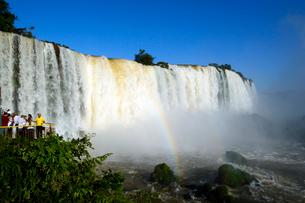 イグアスの滝悪魔ののど笛の写真素材 [FYI01689329]
